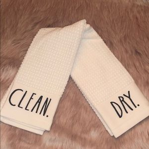 🆕 Rae Dunn CLEAN & DRY Kitchen Towels
